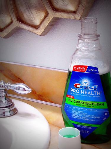 Crest® Pro-Health® Invigorating Clean Multi-Protection Rinse