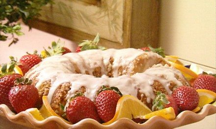 Paula Deen's Nutty Orange Coffee Cake from Canned Biscuits