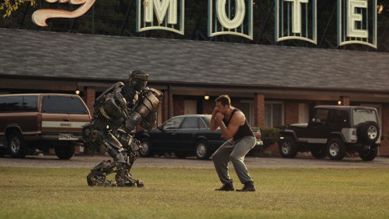 Down-on-his-luck fight promoter Charlie (HUGH JACKMAN) trains his star robot boxer Atom for a chance to go to the big time in the high-tech boxing world in this scene from REAL STEEL.