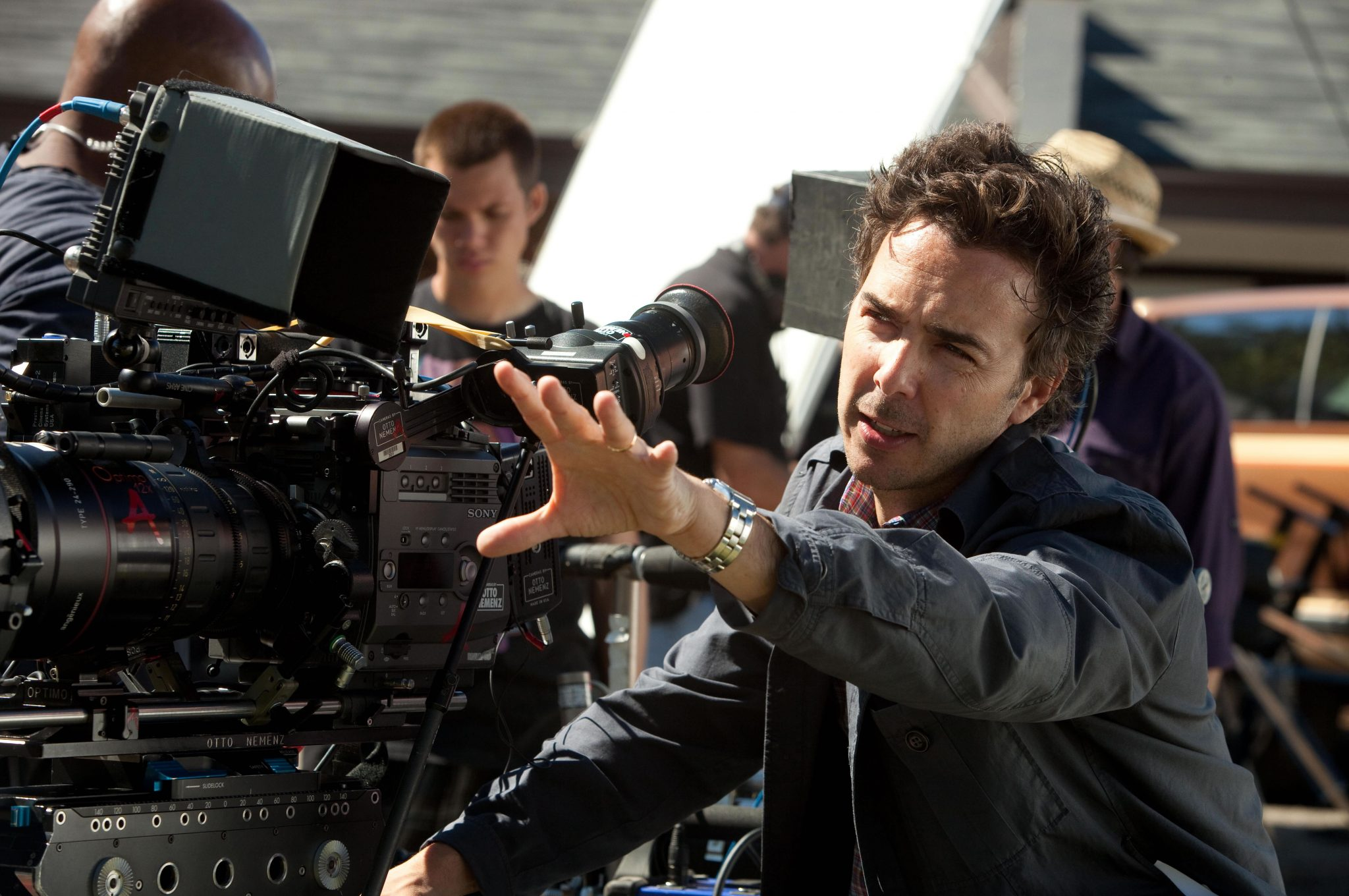 Director SHAWN LEVY sets up a shot on the set of REAL STEEL.