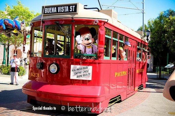 Disney's California Adventure - Buena Vista Street - Red Trolley Car
