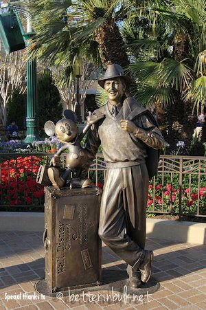 Storyteller Statue on Buena Vista Street in DCA