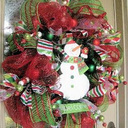 Christmas Mesh Wreath Tutorial by Kristen's Creations
