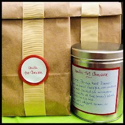 Homemade Vanilla Hot Chocolate Mix - gifts from the kitchen perfect for the holidays or housewarming