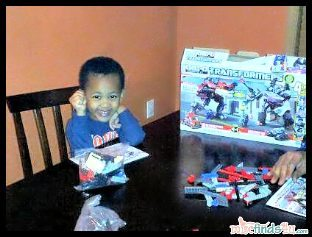 Buddy checks out the KRE-O TRANSFORMERS BATTLE FOR ENERGON by Hasbro