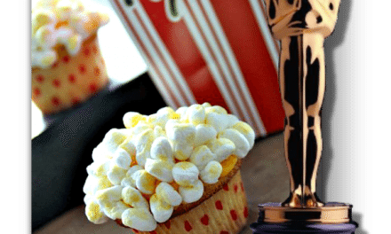 Cupcake Recipe: Oscar Party Popcorn Cream Filled Vanilla Cupcakes