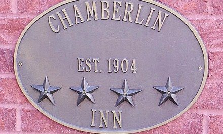 Cody Wyoming Hotels: Historic Hotel Chamberlin Inn