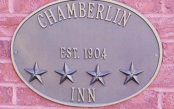 Cody Wyoming Hotels: Historic Hotel Chamberlin Inn