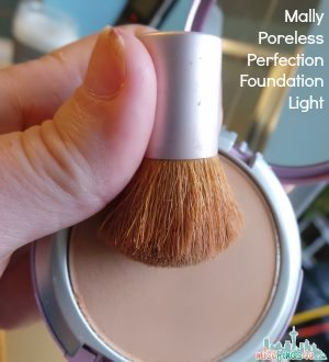 Mally Poreless Perfection Foundation - Light ad