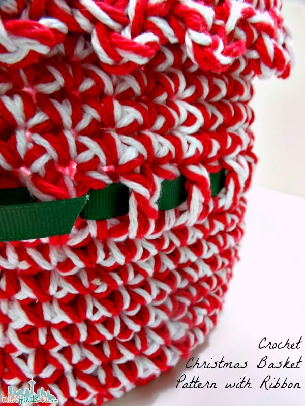 Free Christmas Crochet Pattern Ribbon Detail