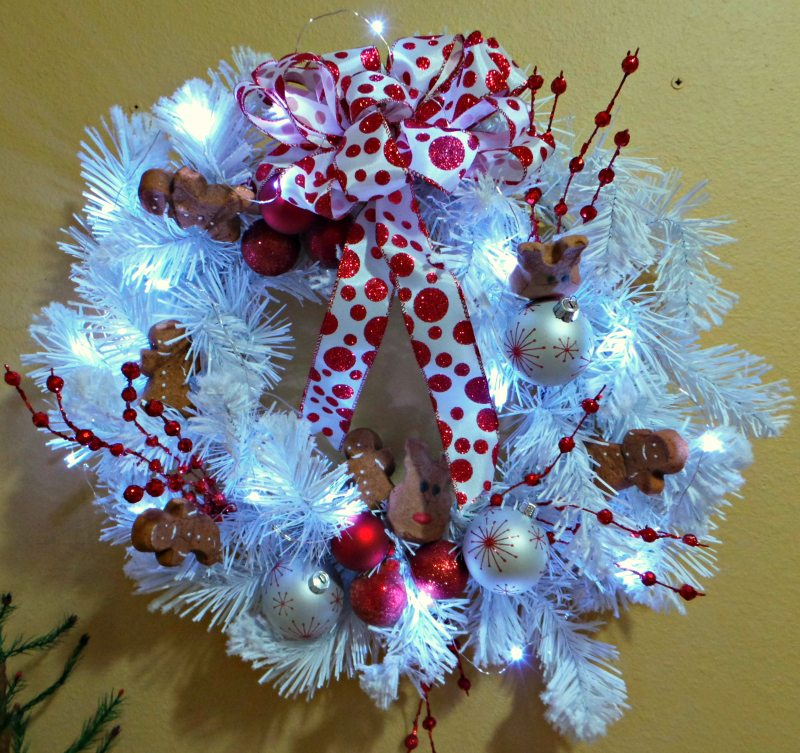 White LED Lights - inexpensive fairy lights make this wreath come alive!
