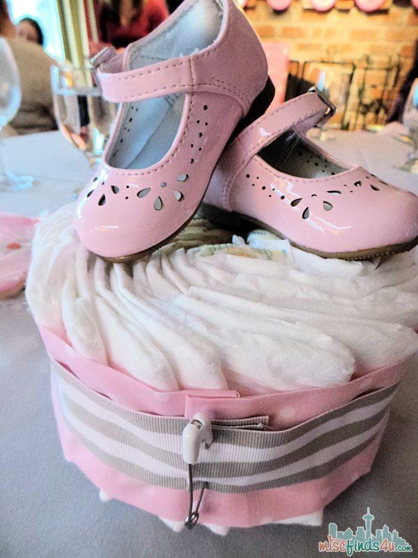 Diaper Cake Baby Shower Centerpiece - Tutorial