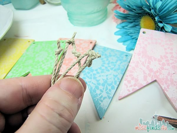 Easter Spring Crafts Wooden Banner -  Easy Easter Crafts: Wooden Pennant Banner - Easter Dessert Table - DIY Craft Ideas