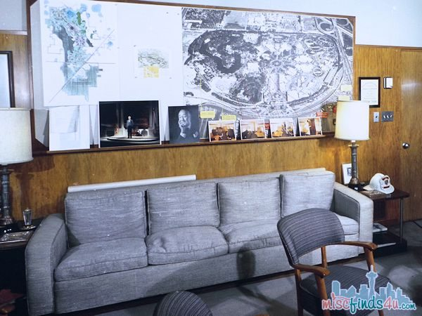Saving Mr Banks Walking Tour - Photo of Walts Office  #piratefairybloggers ad
