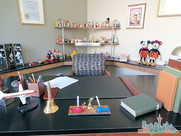Saving Mr Banks Walking Tour - Walts Desk - Movie Props  #piratefairybloggers ad