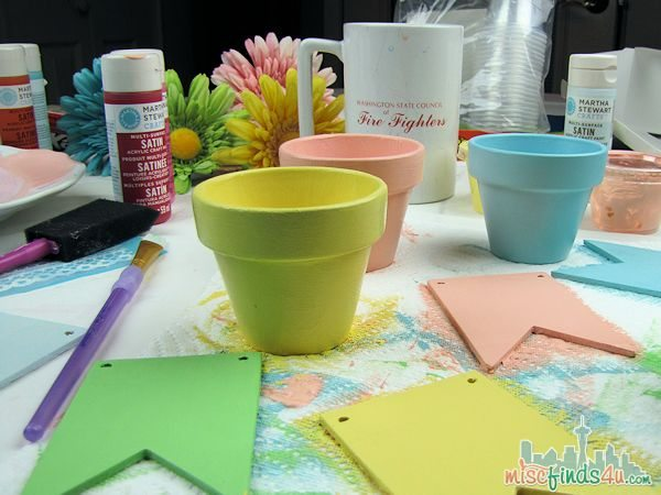 Easy Easter Spring Crafts Tutorials - Treat Cups filled with Hershey's Easter Candy