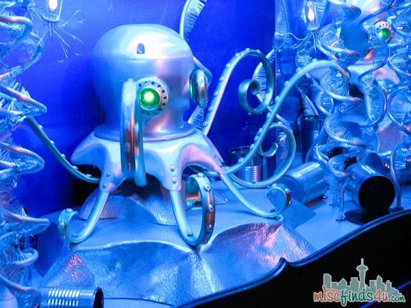 Monterey Aquarium Tentacles Exhibit