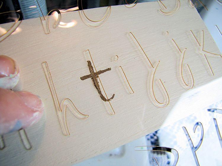 DIY Baby Bath Gift Box - letter stenciling