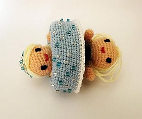 Crochet Frozen Doll Free Pattern : FREE Frozen Crochet Patterns: Inspired by the Disney Movie