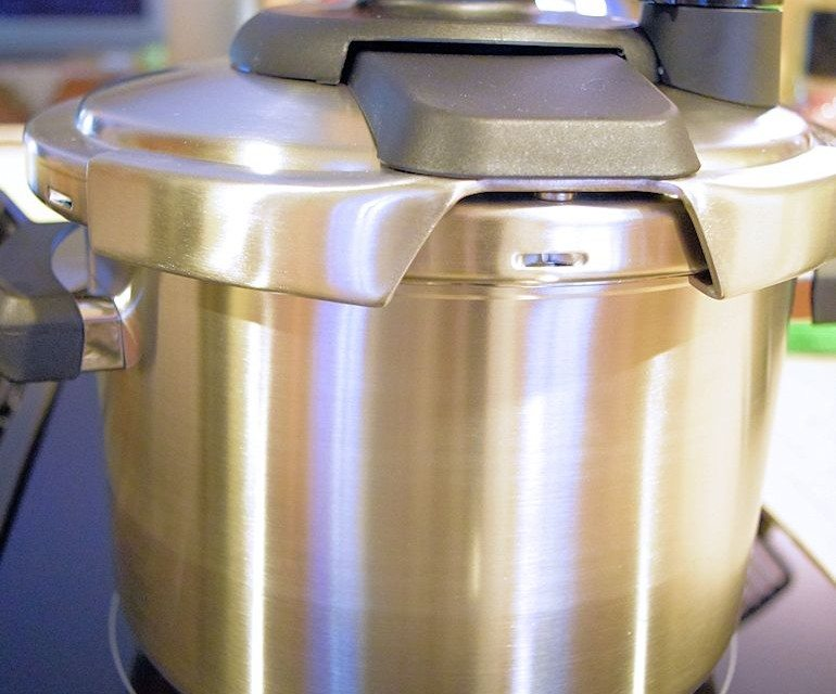 Clipso Pressure Cooker and Kitchen Handy Tools