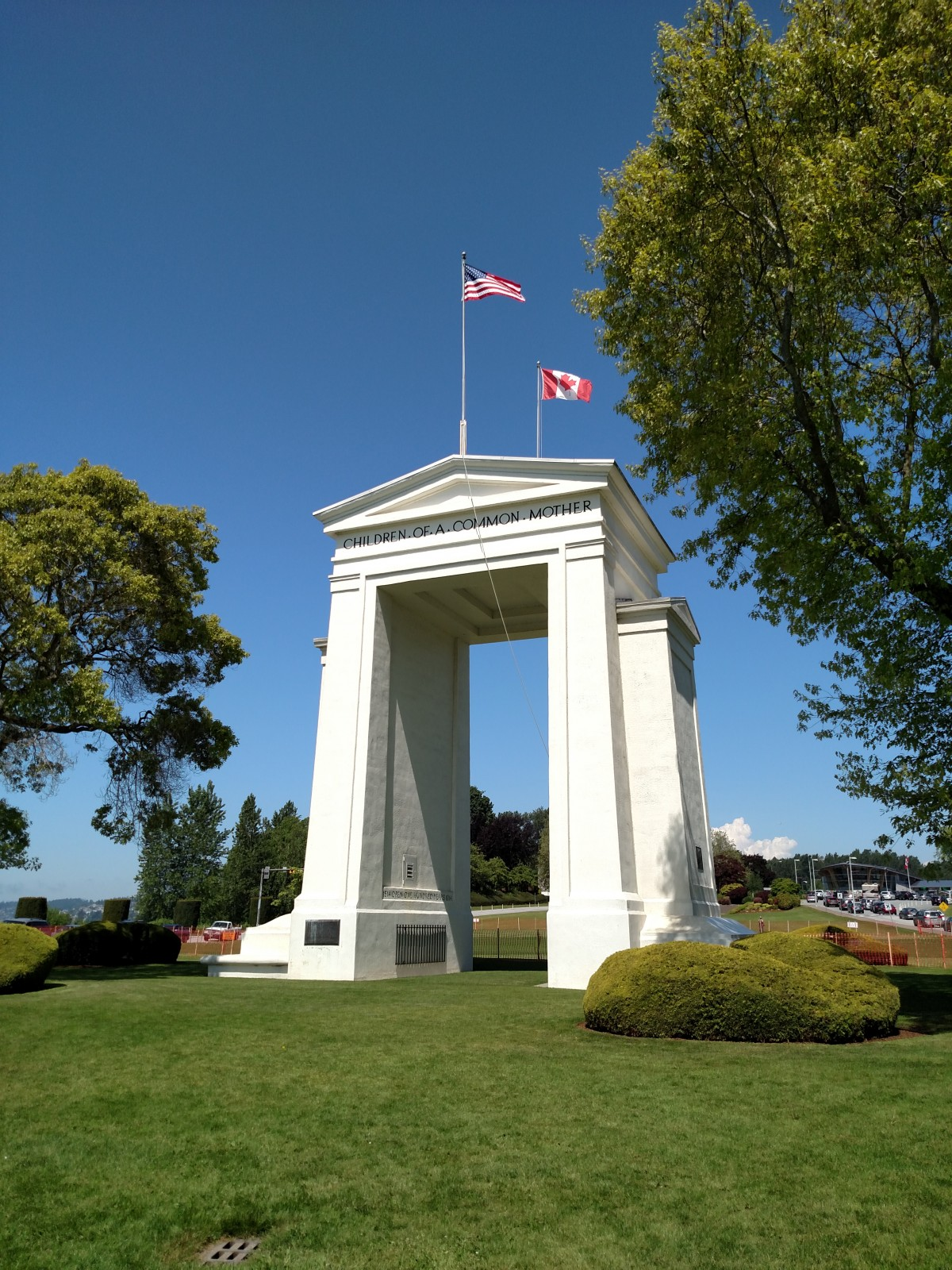 Peace Arch Taken with a Motorola Droid Turbo no Filter
