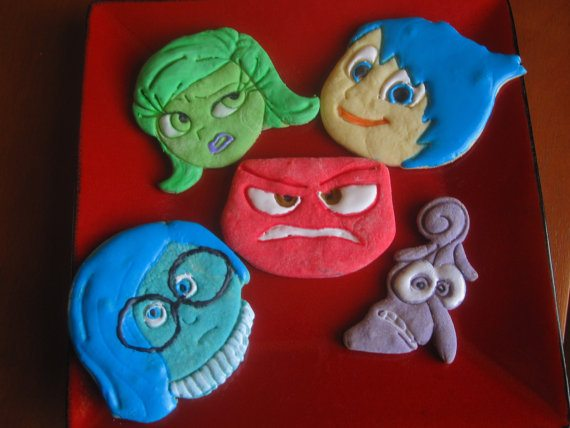 How cute are these sugar cookies?!? What a great birthday party treat! Made with INSIDE OUT cookie cutters available from Francesca4me.