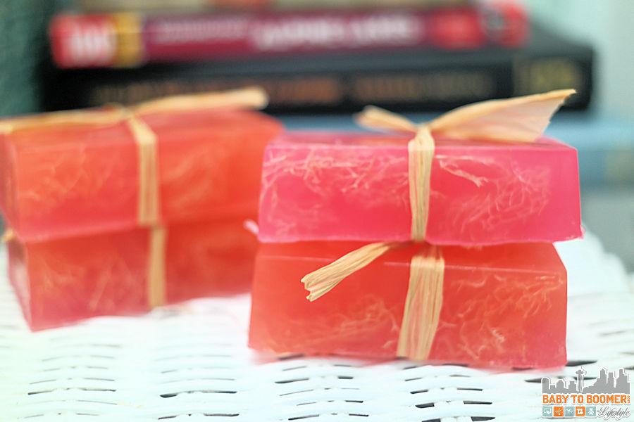Beauty Box Handmade Glycerin Soap Loofa Soap
