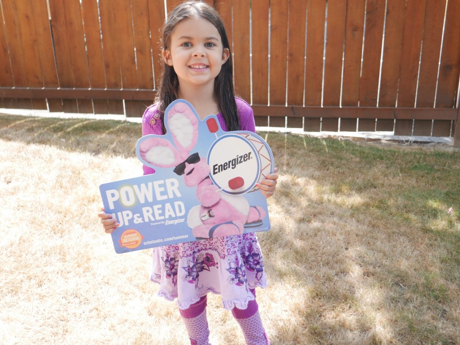 Back to School Prep with the Energizer Instant Win Game and Scholastic Reading Challenge! #SummerReading @Scholastic