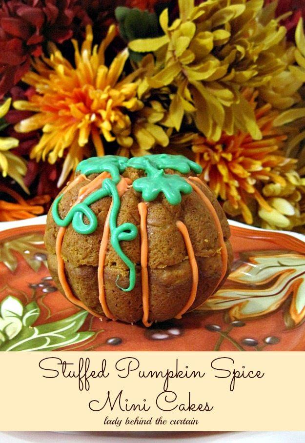 Stuffed Pumpkin Spice Mini Cakes