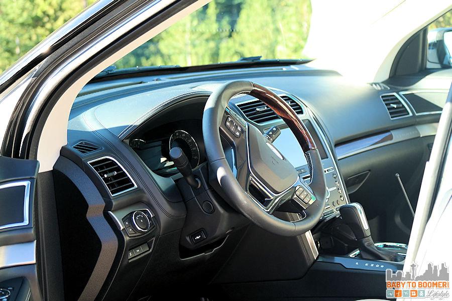2016 Ford Explorer Platinum - Drivers Side ad