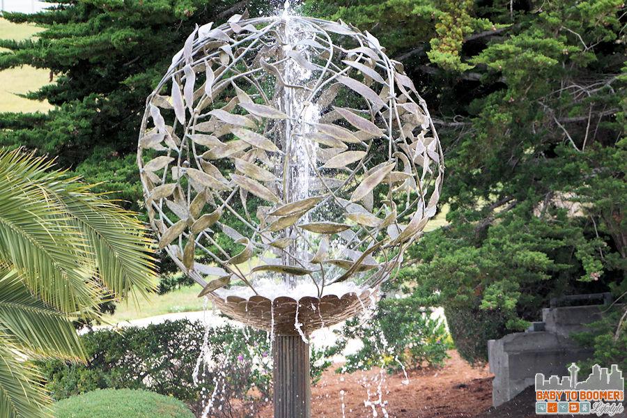 Monterey Bay Inn - fountain