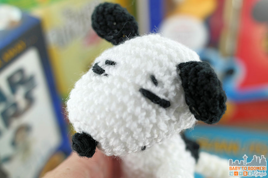 Peanuts Crochet Kit: 12 Amigurumi Patterns and More - Finished Snoopy
