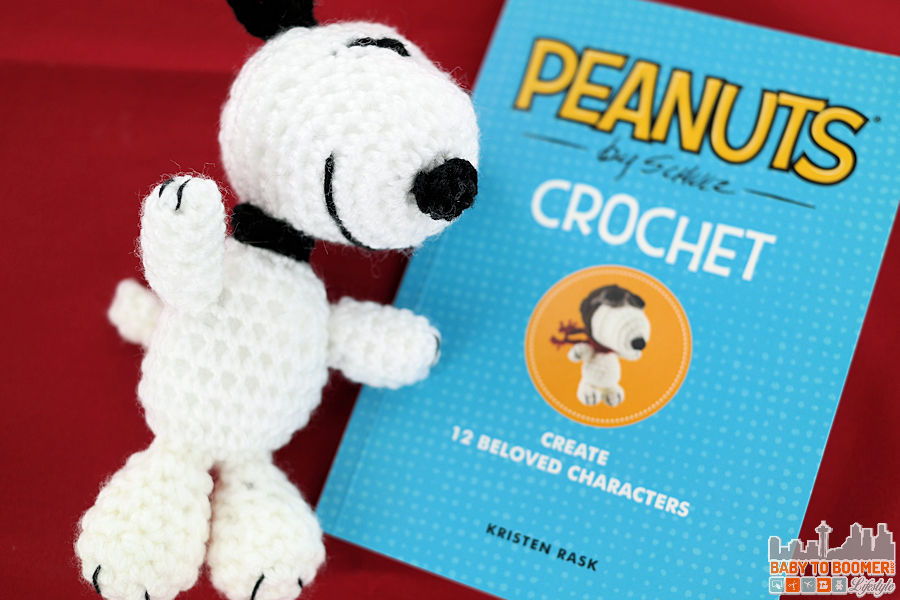 Peanuts Crochet Kit: 12 Amigurumi Patterns and More