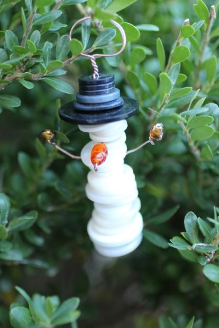 DIY Button snowman ornament
