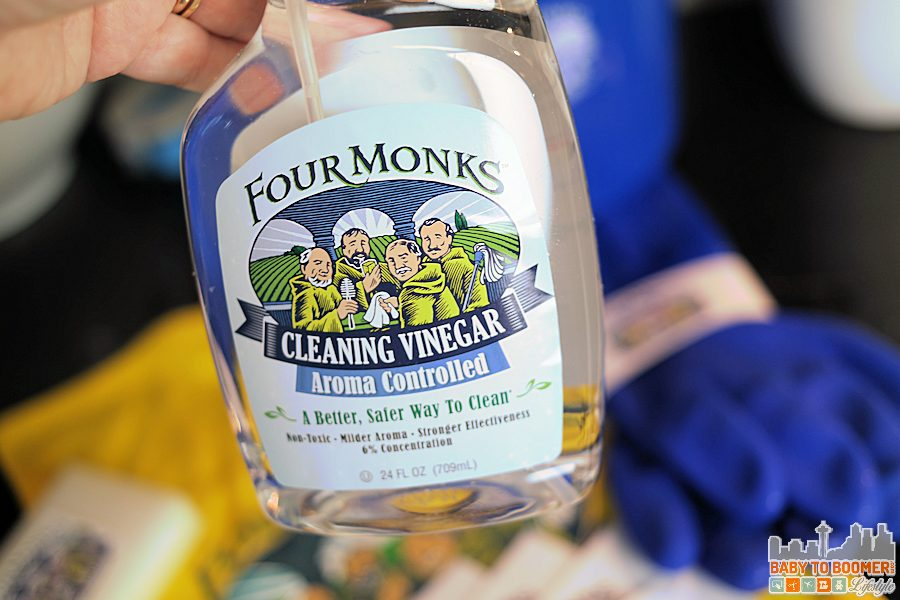 Aroma Controlled - Natural House Cleaning For the Holidays with Four Monks Cleaning Vinegar #FourMonksClean ad