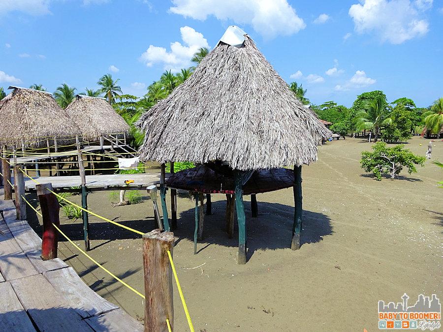 Panama - Isla Canas - Hostal Pachamama Huts