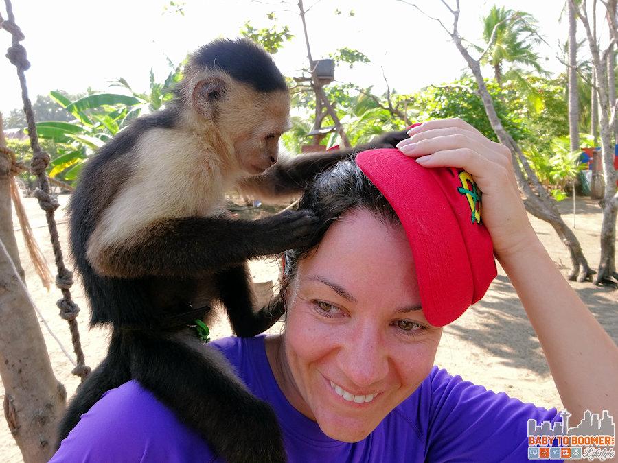 Panama - Isla Canas - Hostal Pachamama Monkey Hat