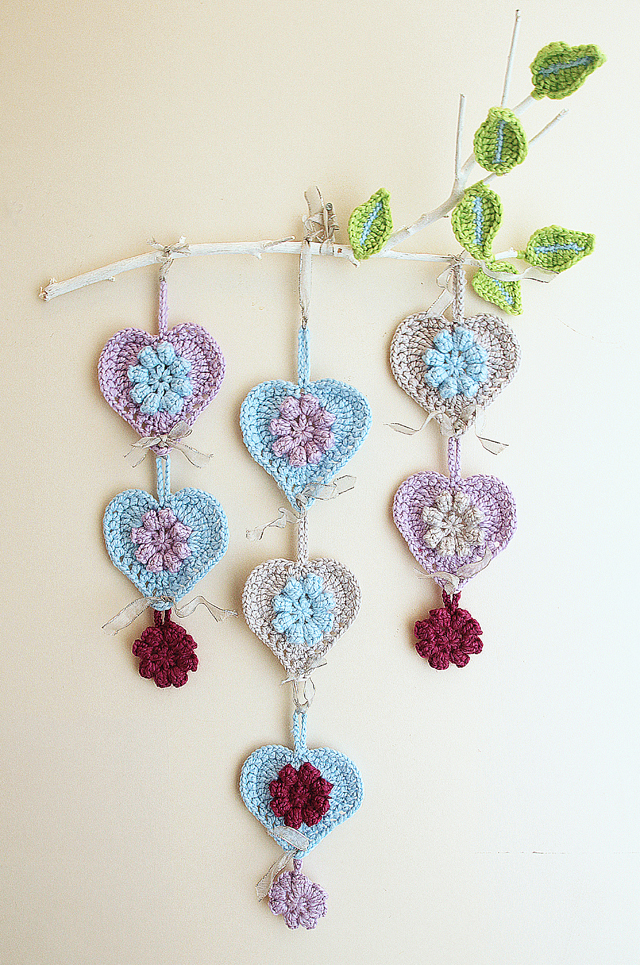 Crochet hearts free patterns for valentine 39 s day Creative wall hangings