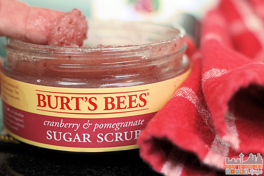 Perfect Winter Lips Step 1 Scrub - 5 Tips for Perfect Winter Lips #NewfromBurts @burtsbees ad