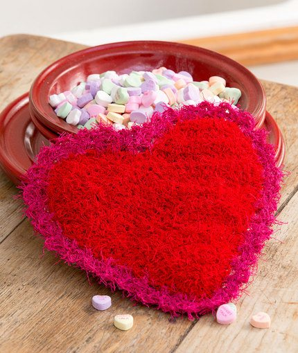 Red Heart Valentine Scrubby Free Crochet Pattern - Crochet Hearts: Free Patterns for Valentine's Day