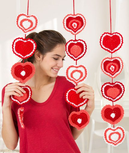 Red Heart Valentines Heart Garland Pattern - Crochet Hearts: Free Patterns for Valentine's Day