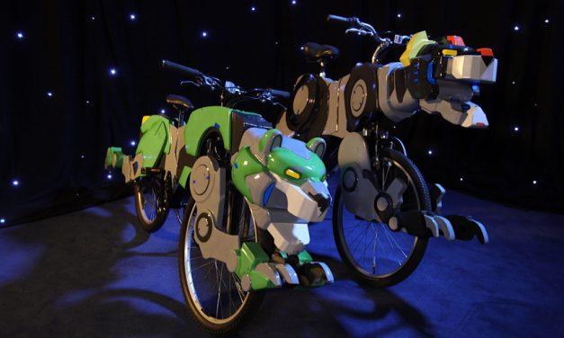 """""""Super-Fan Builds"""" Designed a Voltron Lion Bike! #Voltron #DreamWorks"""