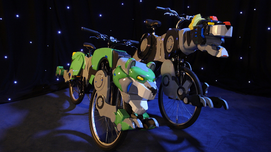 """Super-Fan Builds"" Designed a Voltron Lion Bike! #Voltron #DreamWorks"