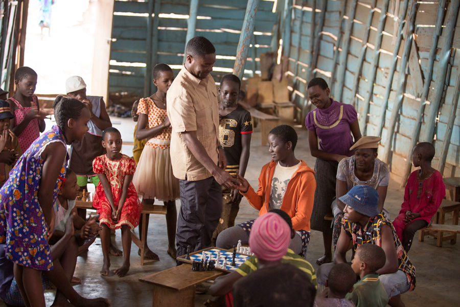 David Oyelowo and Madina Nalwanga in the film Queen of Katwe