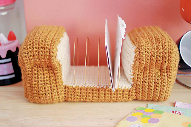 Twinkie Chan's Crocheted Abode a la Mode: 20 Yummy Crochet Projects for Your Home Loaf of Bread Kitchen or Desk Organizer
