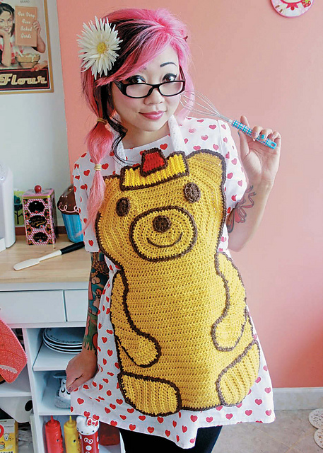 Twinkie Chan's Crocheted Abode a la Mode: 20 Yummy Crochet Projects for Your Home Honey Bear Apron