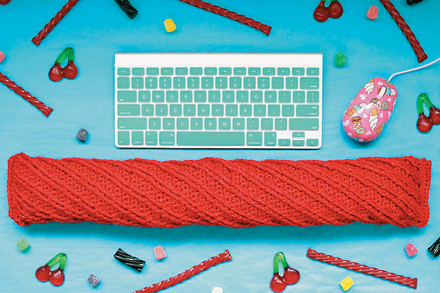 Twinkie Chan's Crocheted Abode a la Mode: 20 Yummy Crochet Projects for Your Home Red Licorice Keyboard Wrist Rest