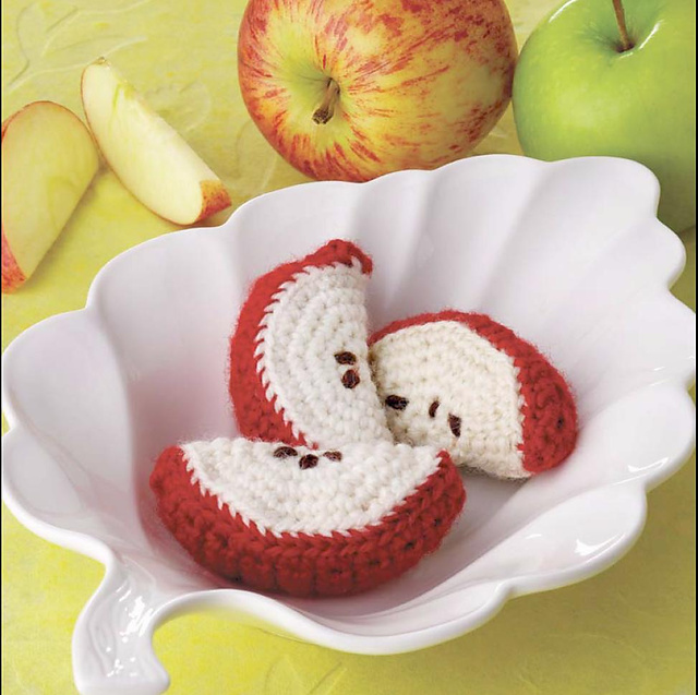 Yummi Gurumi Over 60 Gourmet Crochet Treats to Make - Pattern Apple Wedges