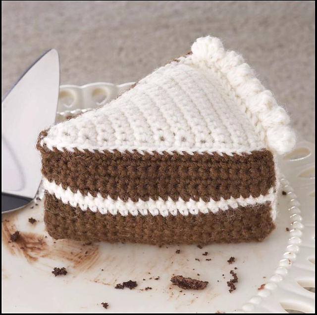 Yummi Gurumi Over 60 Gourmet Crochet Treats to Make - Pattern Chocolate Cake Slice