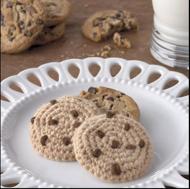 Yummi Gurumi Over 60 Gourmet Crochet Treats to Make - Pattern Chocolate Chip Cookie